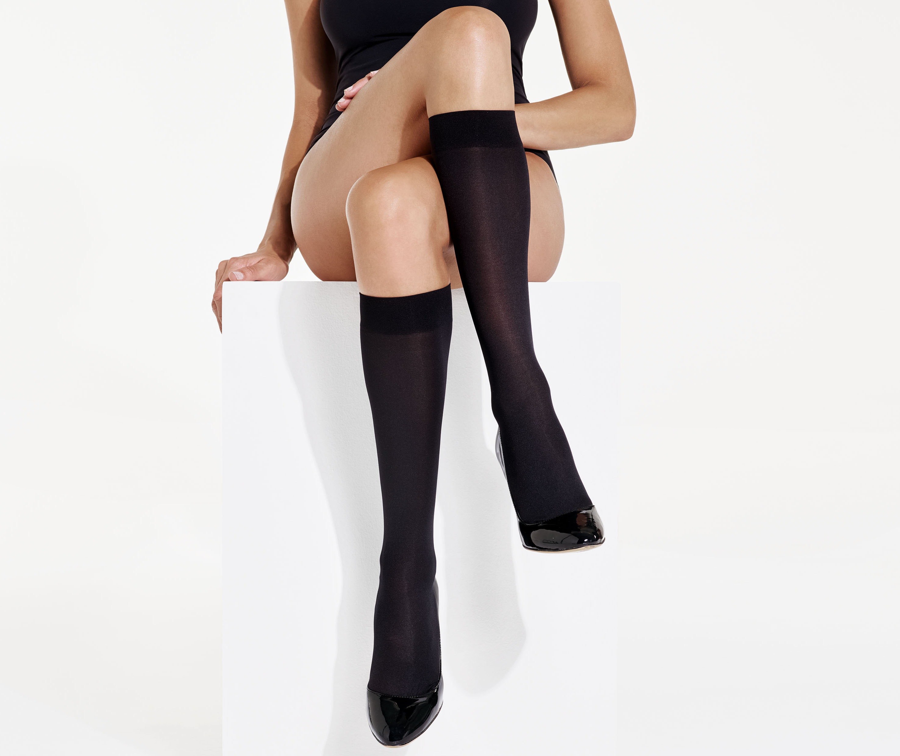 2pp 40 Denier Knee Highs